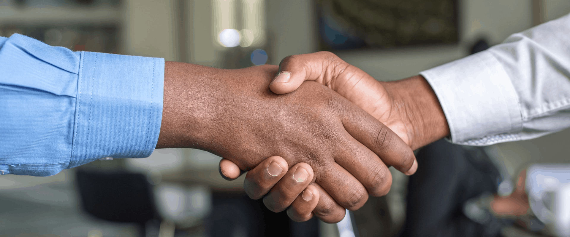 real estate agent shaking hand