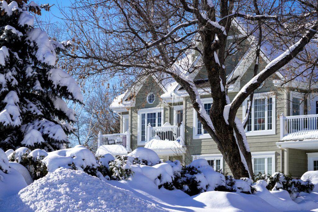 best season to host an open house